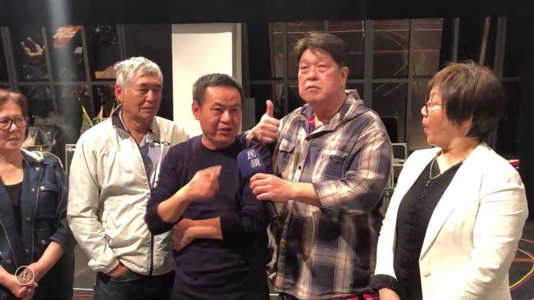 唐美雲(右起)、羅北安、蔡振南、柯一正為歌仔戲「月夜情愁」進行排練。圖/民視提供