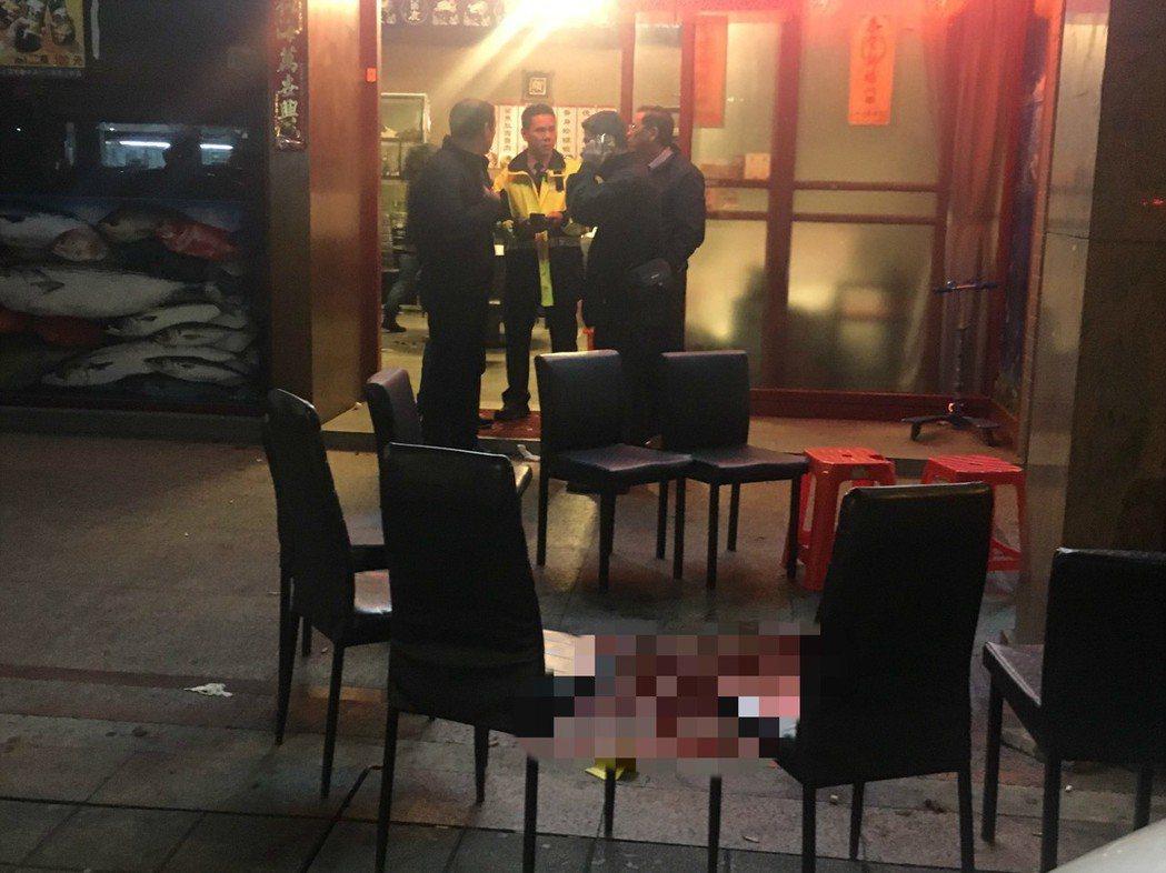 基隆路一段某海產店門口傳出槍響,現場四人受傷被送醫。記者李承穎/攝影
