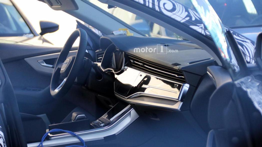 全新Audi Q8內裝也被拍得一清二楚! 摘自Motor 1