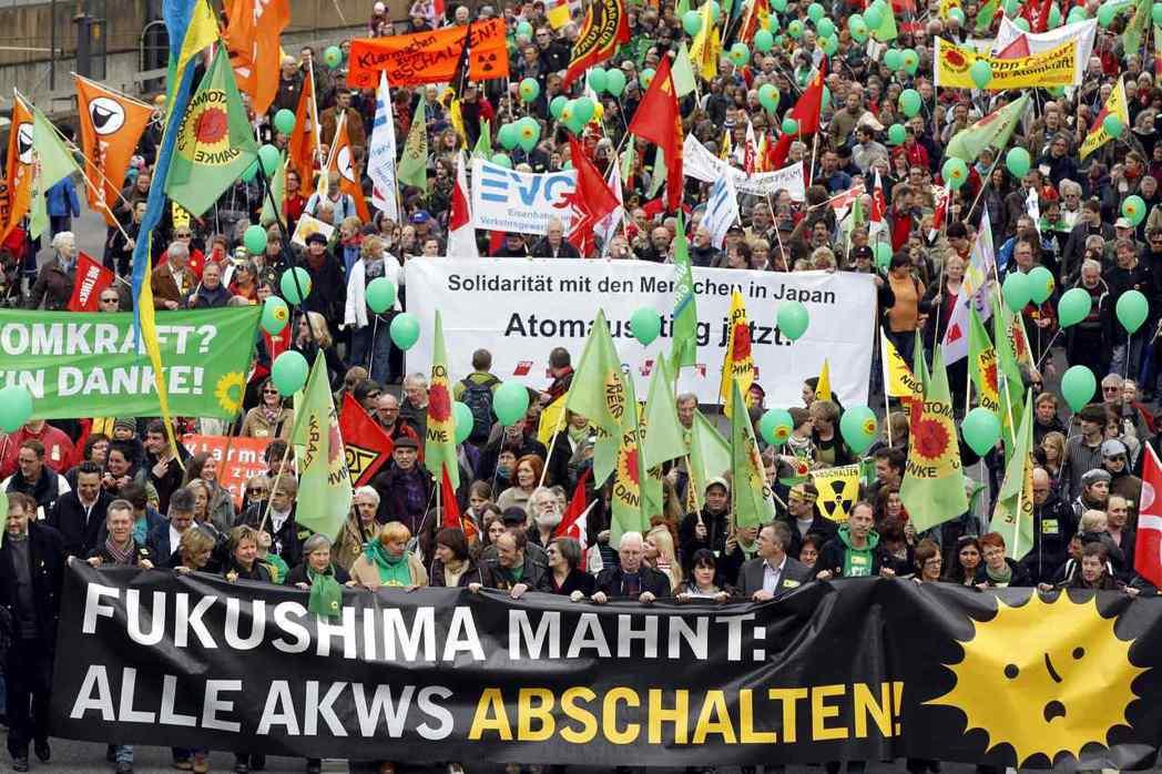 2011年3月26日,柏林、漢堡、慕尼黑、科隆四個城市、共計約有20萬人參加了大...