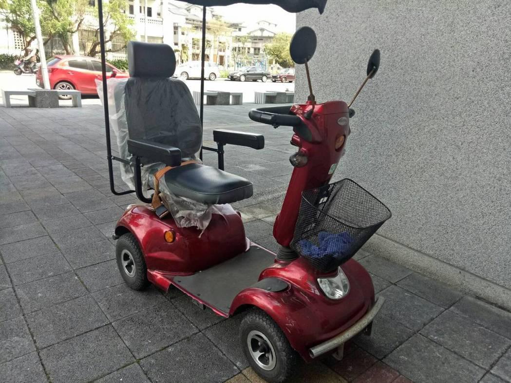 電動代步車在法律上仍是灰色模糊地帶,行政法上是「行人」,刑法上卻是「交通工具」。...