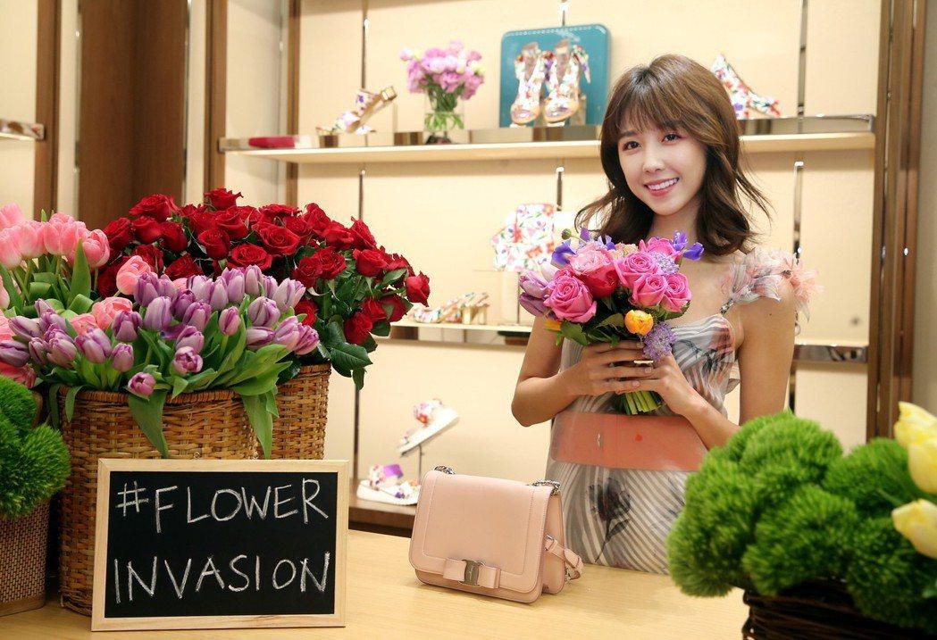 Salvatore Ferragamo發表春夏系列,以「Flower Invas...