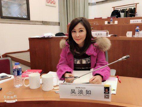吳淡如今年53歲了,仍孜孜不倦攻讀人生第3個碩士,目前在亞洲排行第一的「上海中歐商學院」裡念EMBA,已到最後寫論文階段。人生已夠匆忙,為何還要如此拚搏?她說:「學習對我來說是興趣,也是樂趣,40歲...