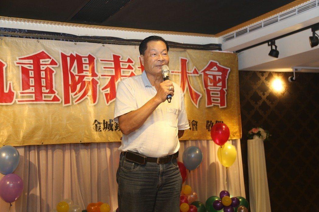 金門去年發生首宗綁架案,金城鎮代表會主席陳天成被不知名人士暴打綁架,金門地方法院...