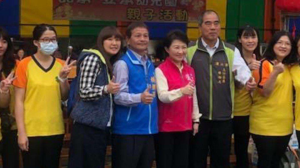 國民黨市議員賴朝國(左三)跑基層,不敢懈怠。 圖/賴朝國提供