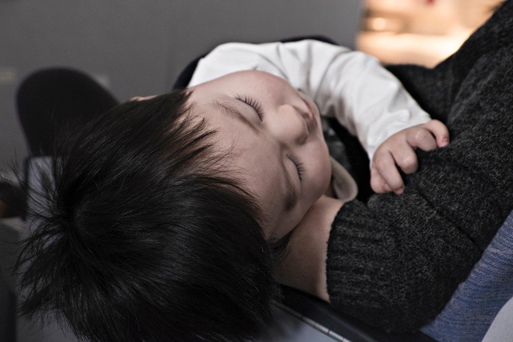 示意圖,非本文所提上呼吸道受感染嬰幼兒。高雄市前鎮區某托嬰中心去年底發生18名嬰...