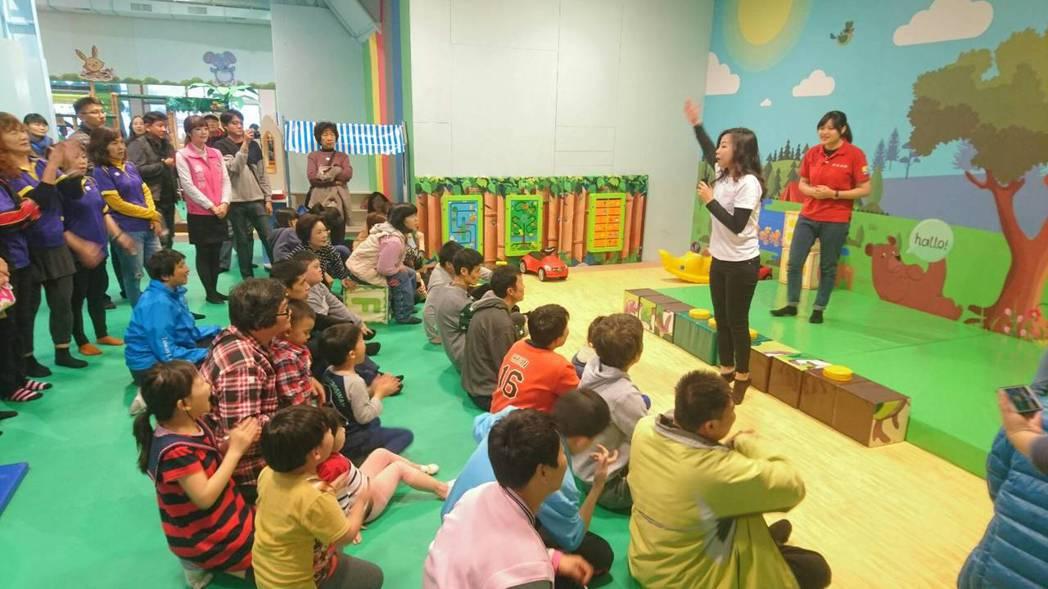 麻吉樂園總經理張智亦表示,當初創業理念是因為,現在社會上能讓小朋友安心快樂且乾淨...