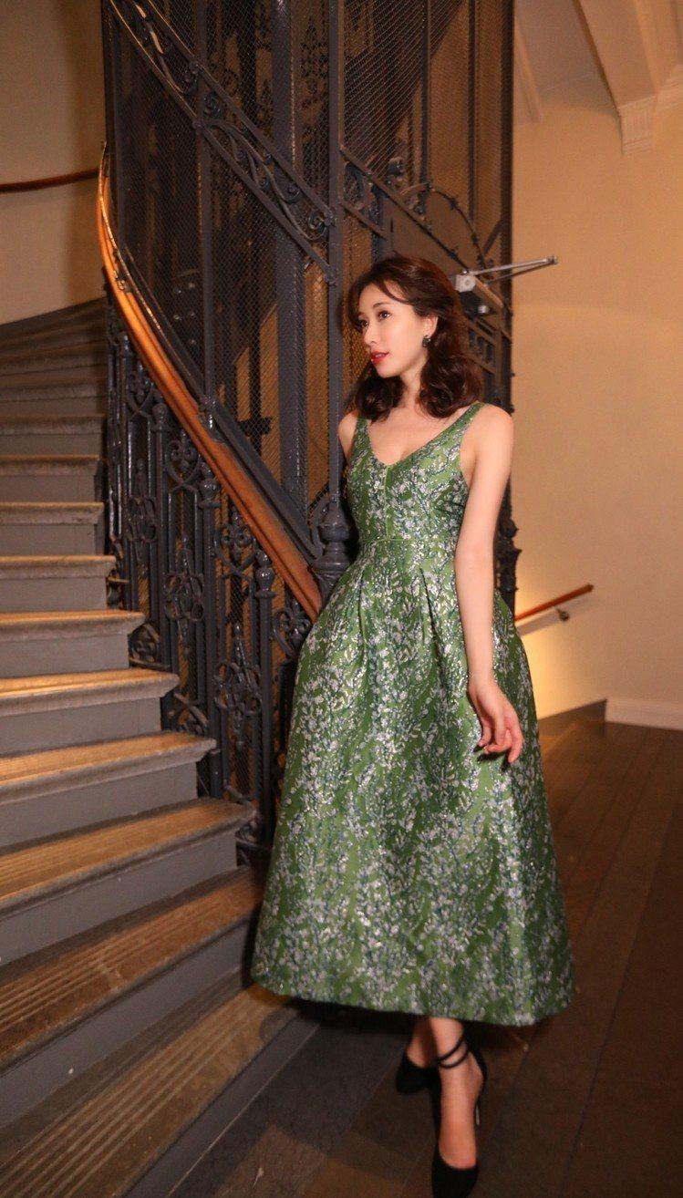 林志玲前幾天穿著H&M 2018 Conscious Exclusive系列禮服...