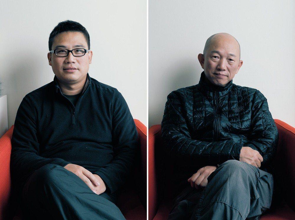 農村武裝青年主唱江育達(左)、紀錄片導演柯金源(右)。 攝影/王志元