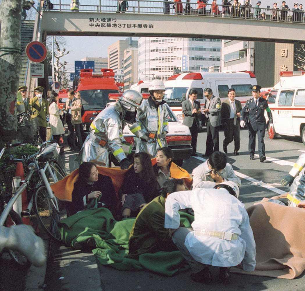 1995年3月20日,由奧姆真理教發動的「東京地鐵沙林毒氣事件」,造成13人死亡...