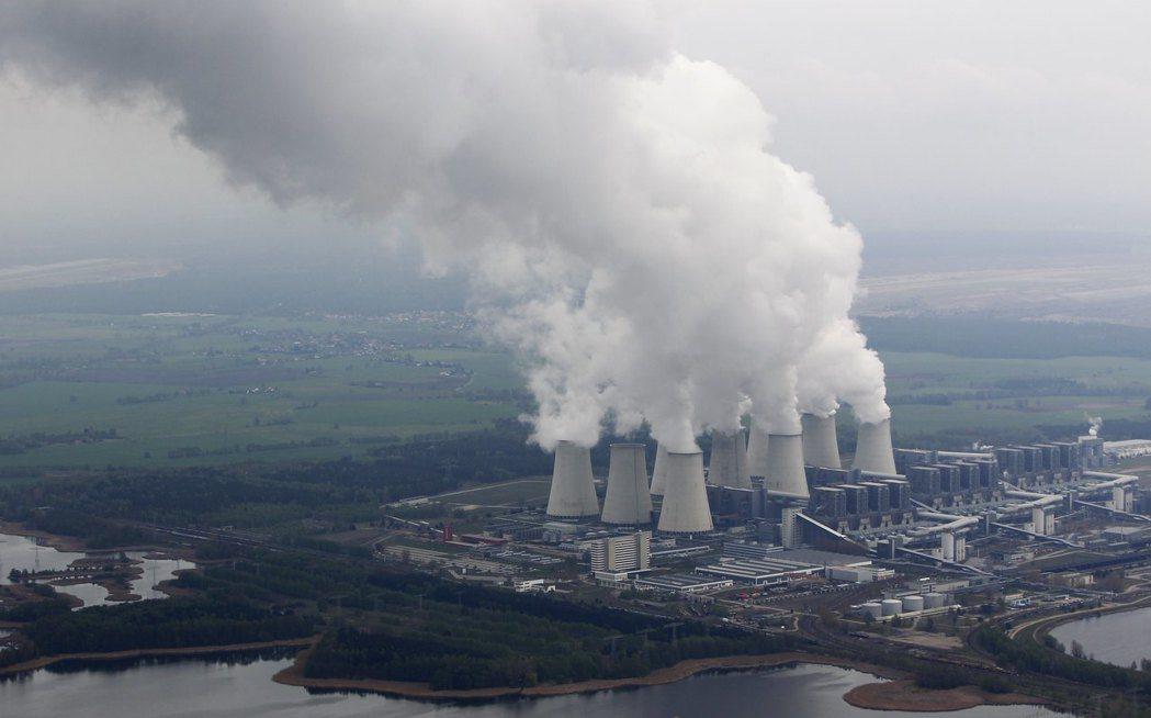 因優先採購自然能源而無法銷售電力、以致收入減少的既有發電廠,正逐一退出發電事業。...