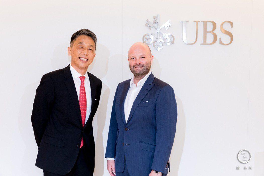 右為任天晉(Magnus Renfrew)、左為瑞銀台北分行總經理及瑞銀集團台灣...