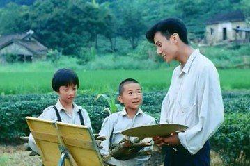 台灣觀眾相較歐美,一向對「兒童電影」最為冷感,總覺得花錢進戲院就要享受刺激的聲光效果,一群小朋友在那裡無傷大雅的打打鬧鬧,根本不值得買票捧場,許多在歐美熱賣的兒童影片,在台灣賣座常踢到鐵板,偶爾才會...