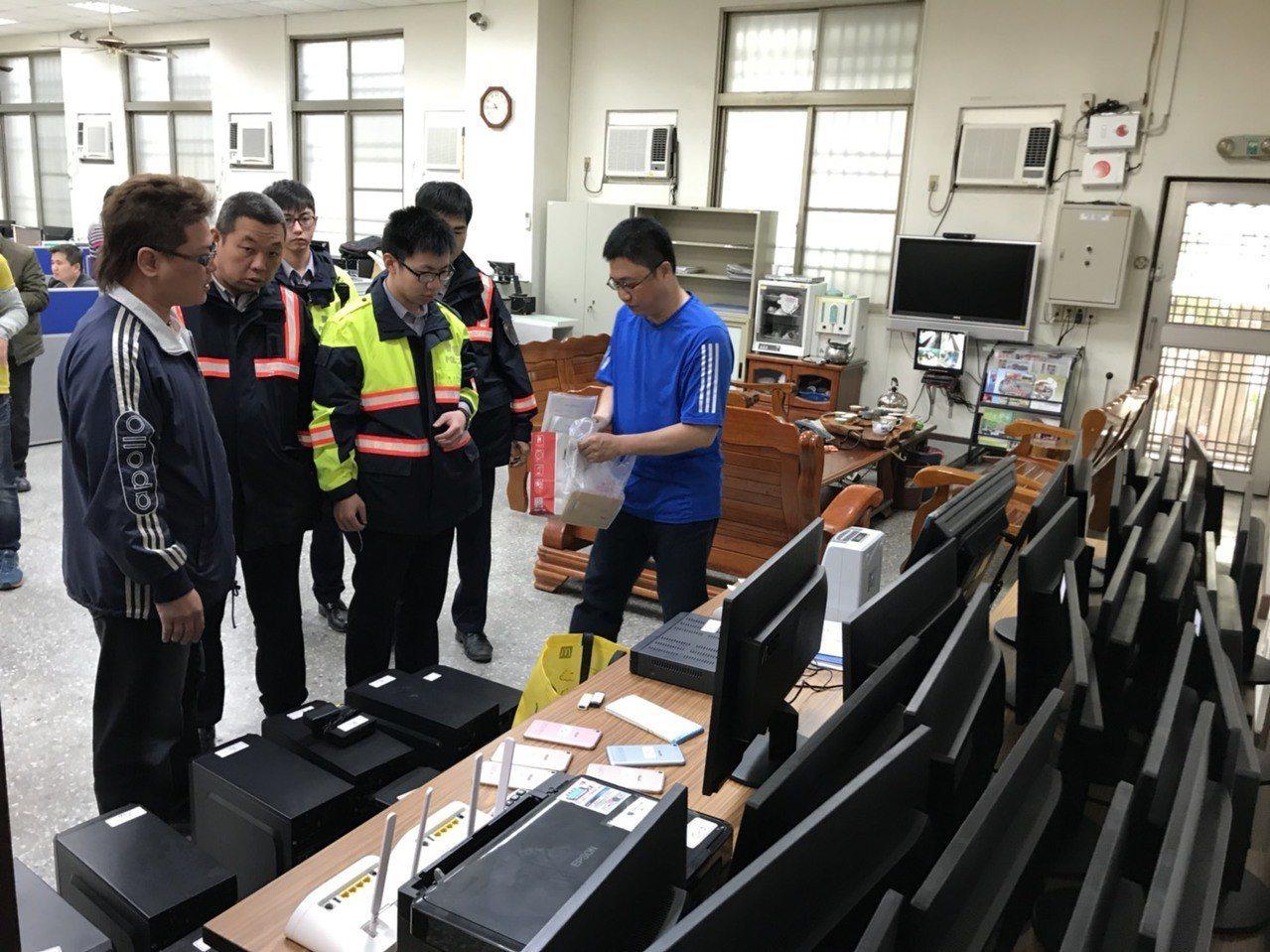 嘉義市第一警分局破獲職業賭博機房,該集團仿「北京賽車」每5分鐘開盤一次,每次賭金...