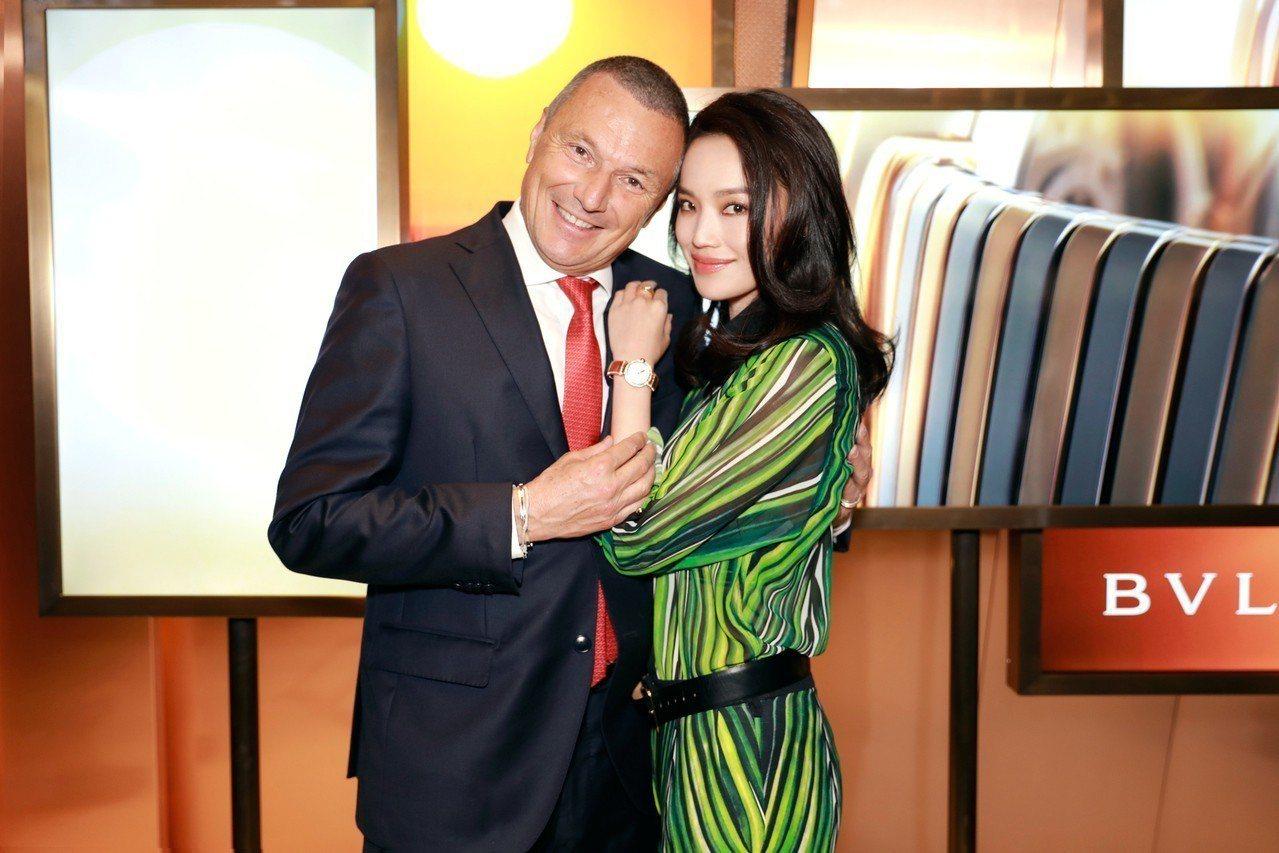 寶格麗總裁Jean-Christophe Babin先生(右)與女星舒淇一同現身...