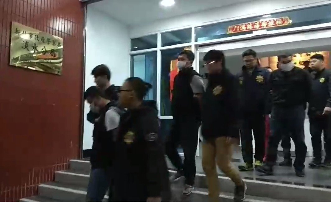 警方日前帶回5名嫌犯,依殺人罪嫌解送地檢署複訊。 記者林昭彰/翻攝