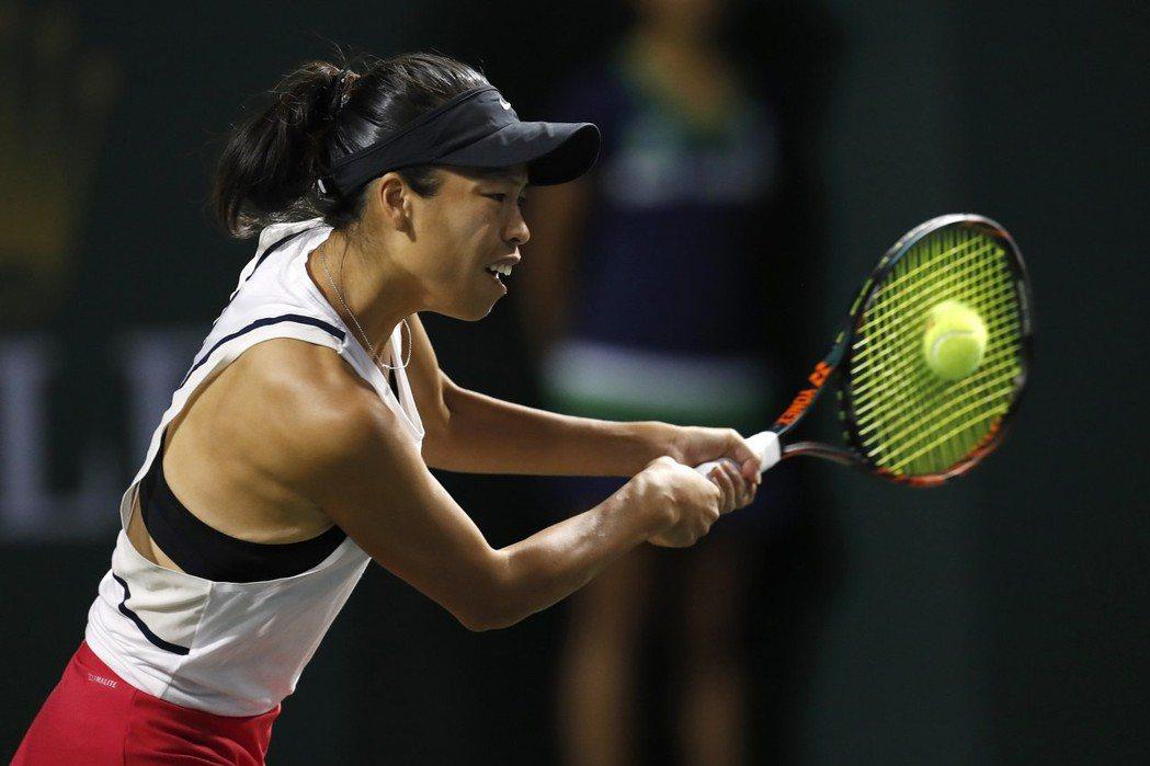 台灣女將謝淑薇在邁阿密女網賽單打連過兩關。 歐新社
