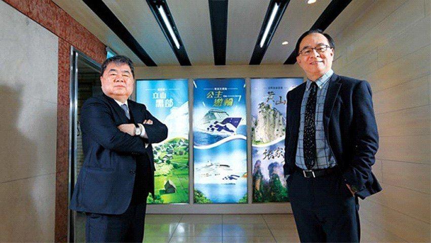 五福執行長謝宏明(右)計畫打造「旅遊業百貨公司」,未來大陸線、主題旅遊也將複製3...