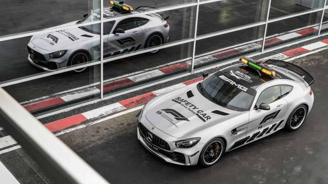 Mercedes-AMG GT R Safety Car。 摘自Mercedes...