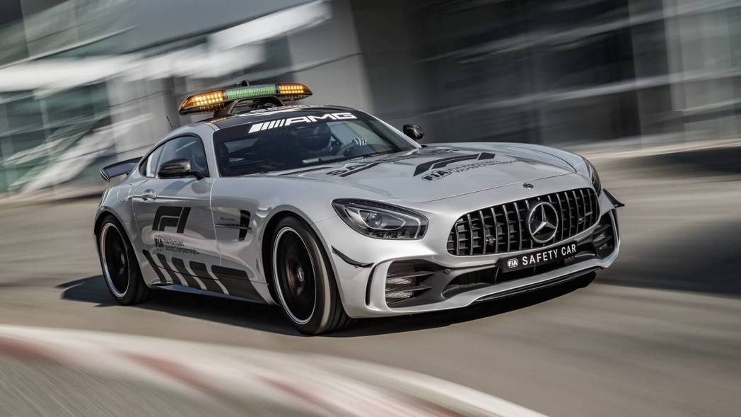 就連上方警示燈都有經過風洞測試。 摘自Mercedes-AMG