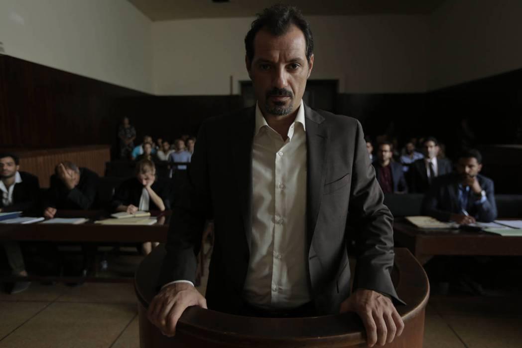 《你只欠我一個道歉》是一部黎巴嫩電影,在複雜龐大的文化歷史背景之下,此片卻選擇從一件最小的事情開始說故事。圖為飾演東尼的Adel Karam。 圖/海鵬影業提供