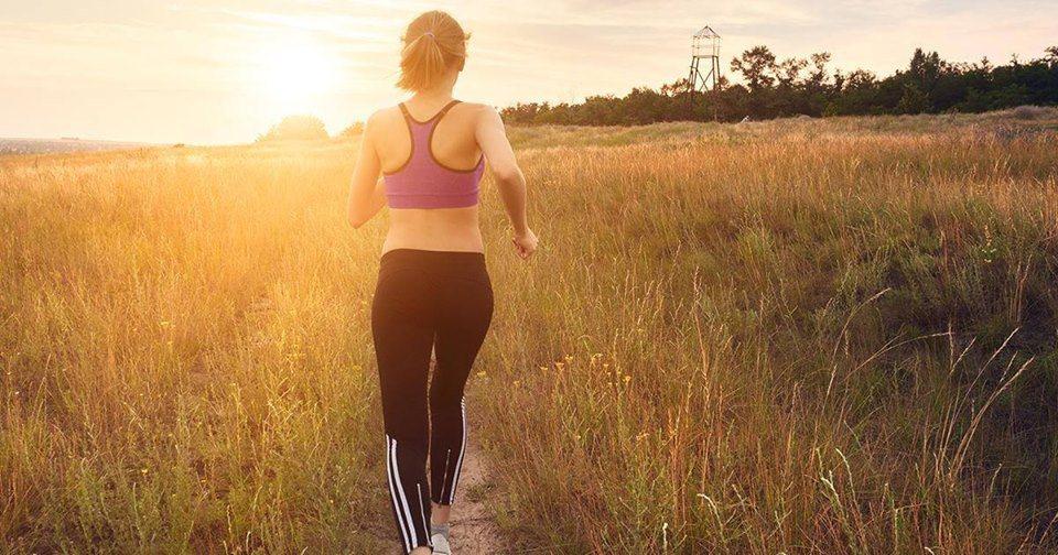 想到要實行魔鬼訓練般的減肥計畫,就已令人卻步。不妨試著改變飲食習慣及增加運動量,...