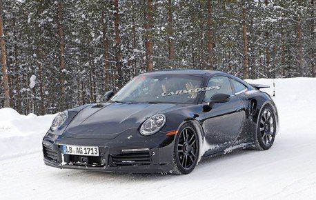新世代Porsche 911 GT3偽裝車曝光?外傳將換上渦輪引擎
