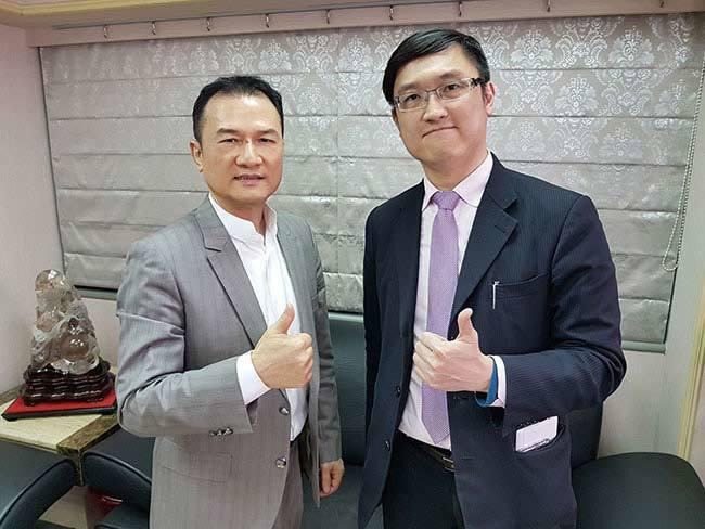 理財周刊發行人洪寶山(左)、阿斯匹靈(右)650