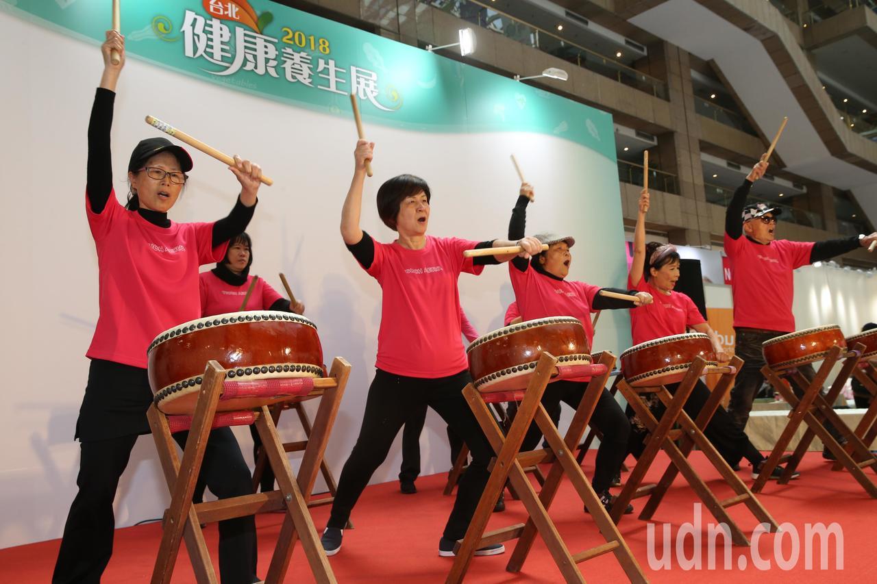 「2018台北健康養生展」今天在台北世貿一館登場。以「健康生活方式」為主軸,提供...