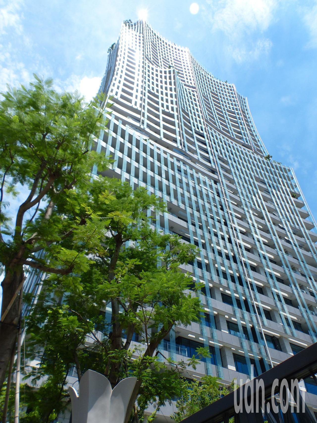 「富邦天空樹」大樓外觀。記者趙容萱/攝影