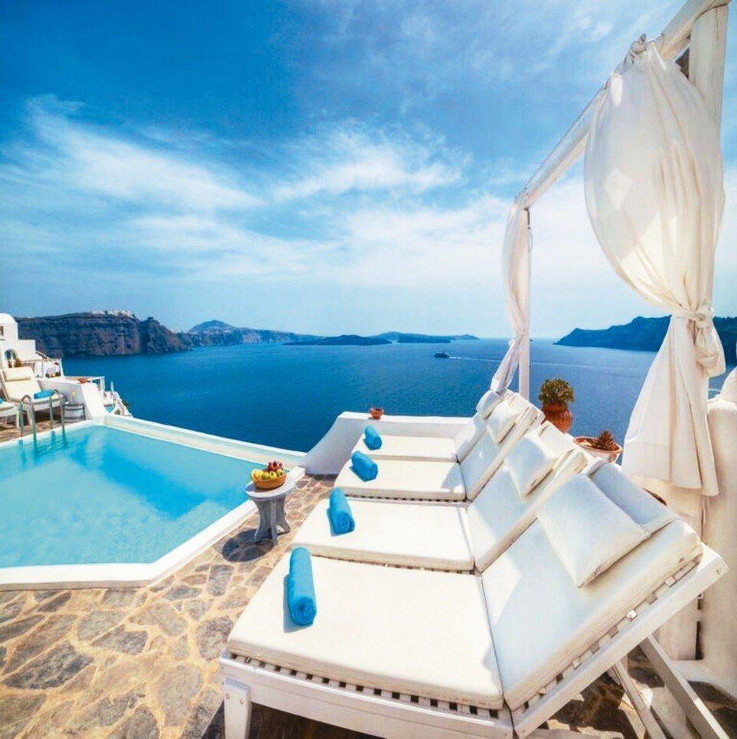 蔚藍地中海風格是許多國人嚮往的居家氣氛。 Booking.com/提供