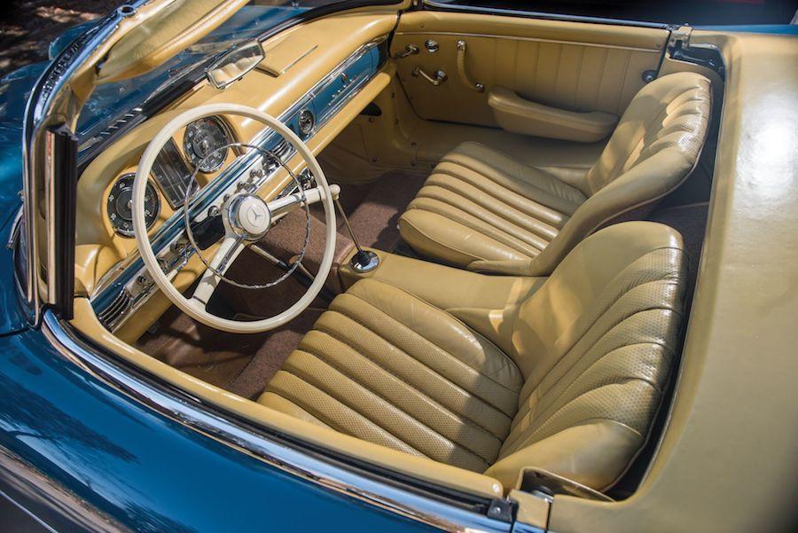 內裝保持的相當完整。 摘自Carscoops.com