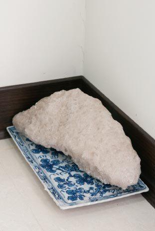 鹽礦外形有如一座縮小的鹽山,能達到除晦氣霉氣的效果。