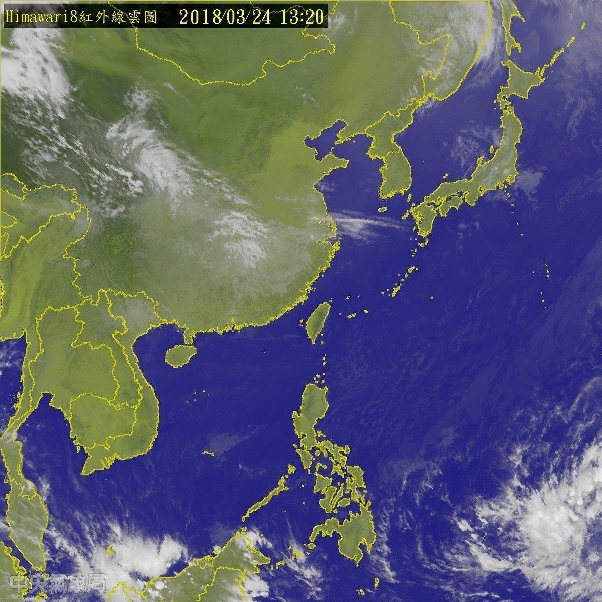 關島南方海面熱帶性低氣壓形成,目前以時速20公里向西北西移動。圖/翻攝自氣象局網...