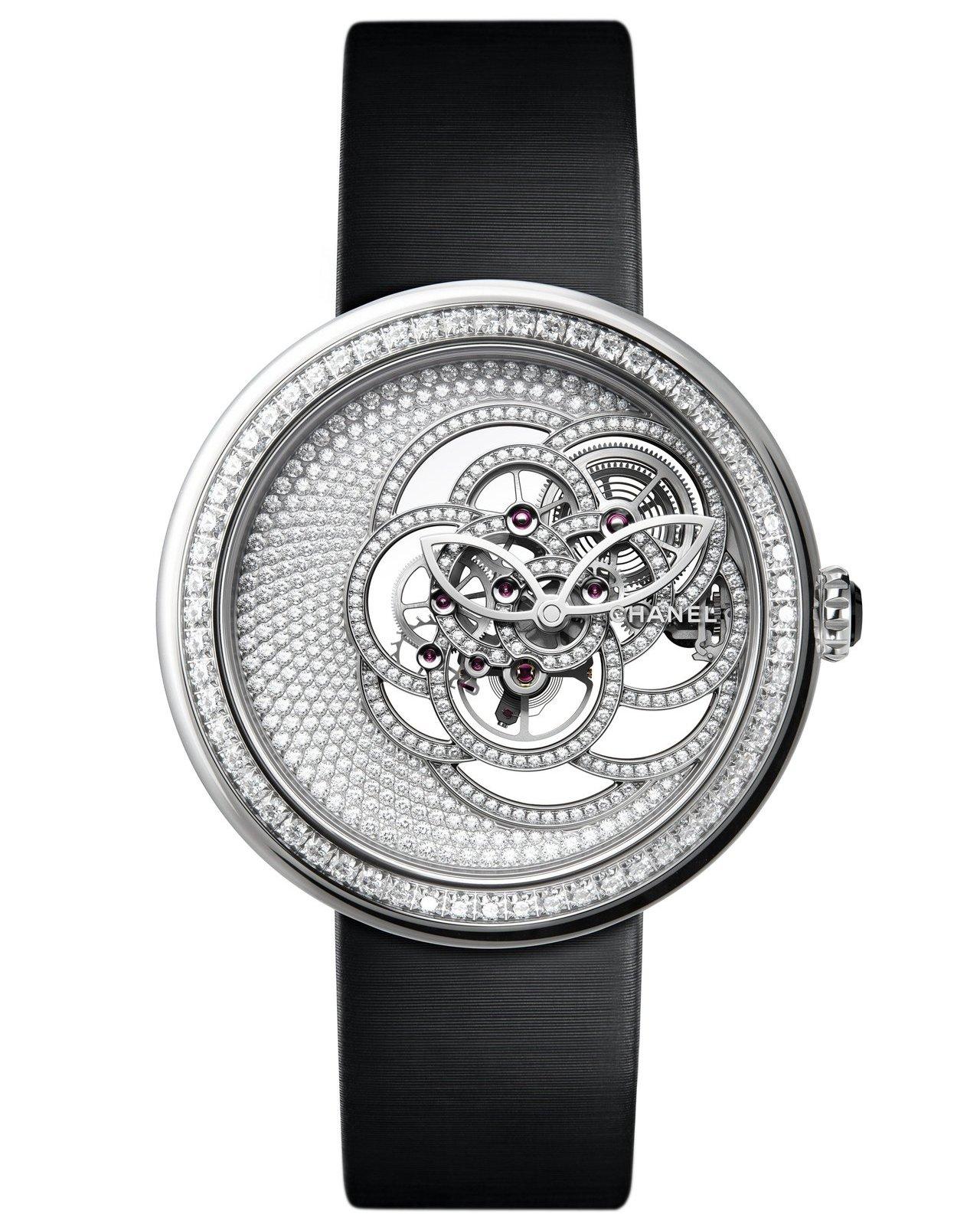 香奈兒Mademoiselle Privé山茶花鏤空腕表,18K白金表殼,表圈鑲...