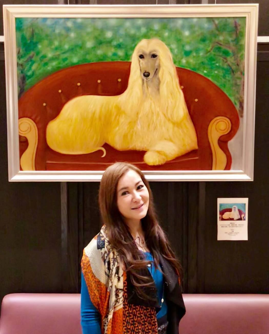 張富美從藝人轉型為療癒畫家,日前還開狗狗畫展。圖/倪有純提供