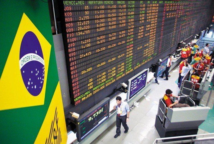新興市場股價比成熟市場便宜,預期將持續吸金。 新華社