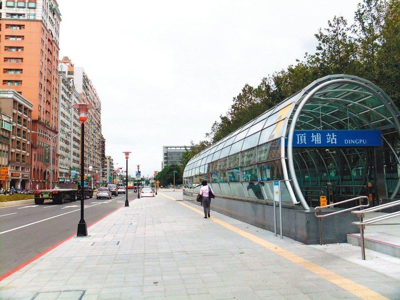 自住買盤挺,板南線頂埔站電梯大樓交易量年增52%稱冠。