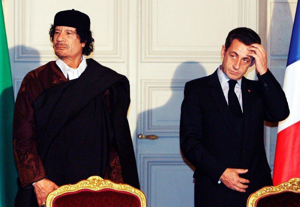 利比亞的獨裁者,又為什麼要「送錢」,給這位以狡詐聞名的法國政治家呢? 圖/路透社