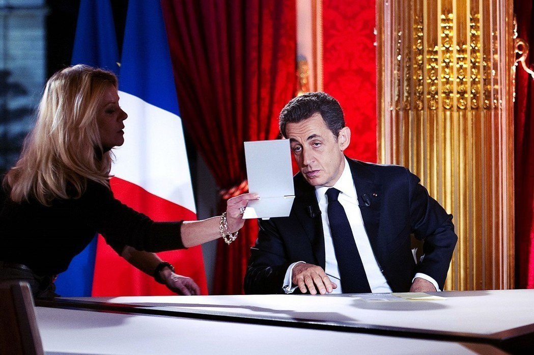 2011年4月28日——法國總統大選第二階段投票的倒數前7天——取得大量格達費親...