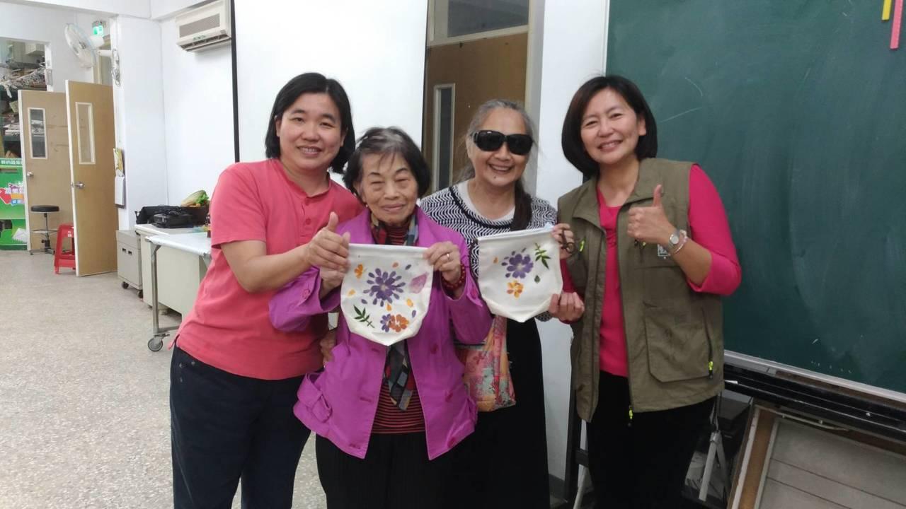 北市大安區公所連續舉辦7年的「走讀大安文化節」,今年與台灣大學合作,吸引老中青三...