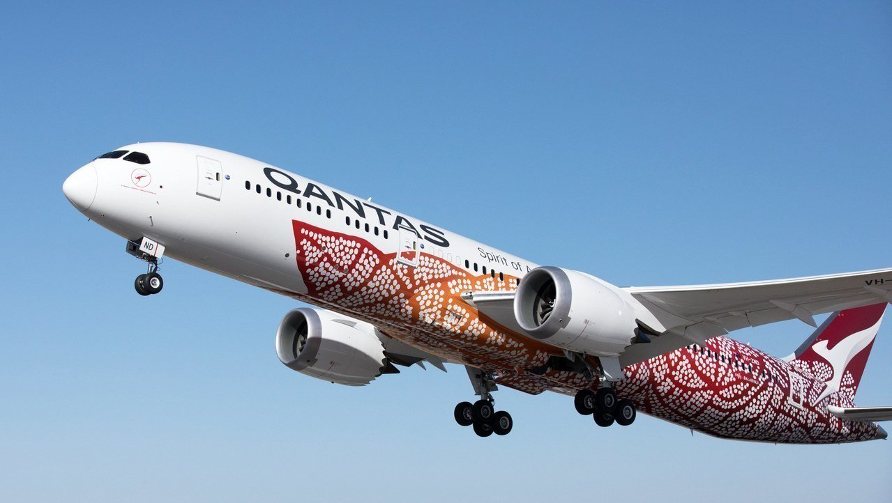 澳航QF9波音787-9夢幻客機24日從澳洲伯斯直飛英國倫敦,中途不停,航程僅需...
