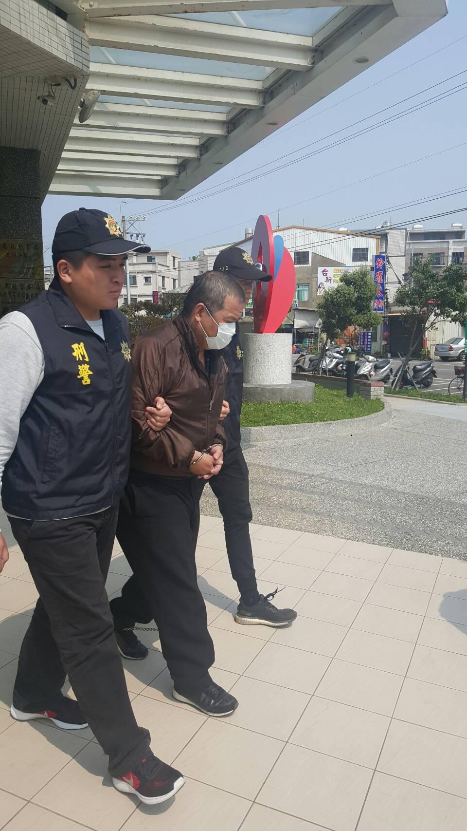 頭份警方破獲強盜恐嚇案,逮捕林姓主嫌。圖/頭份分局提供