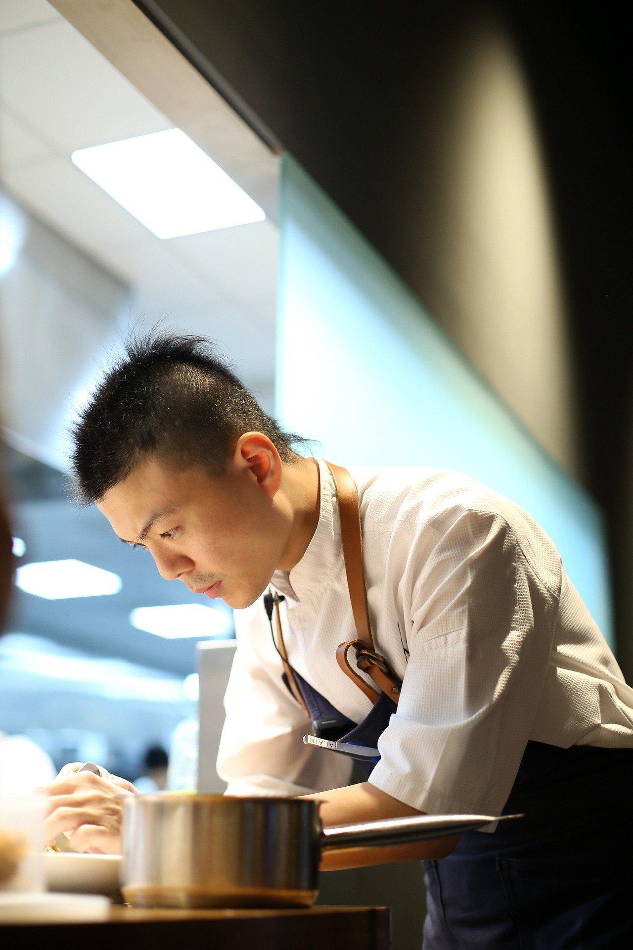 RAW另一位主廚黃以倫。圖/RAW提供