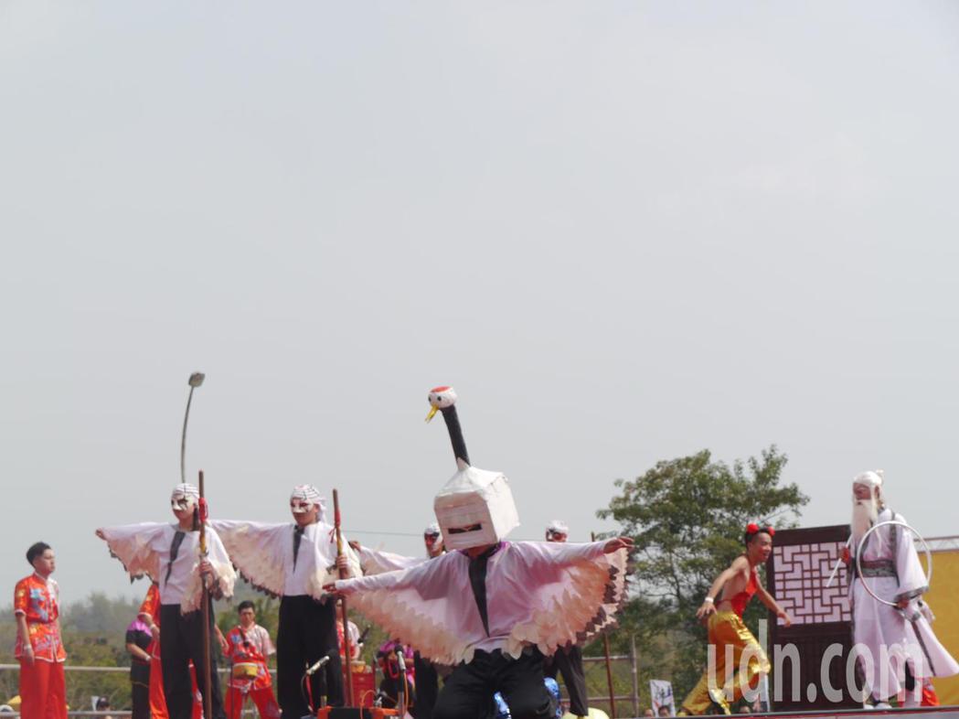 全國創意宋江陣競賽初賽,義守大學是最後一支展演隊伍。記者徐白櫻/攝影