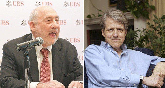兩名諾貝爾經濟學獎大師席勒(右)與史提格里茲(左)出席「中國發展高層論壇2018...