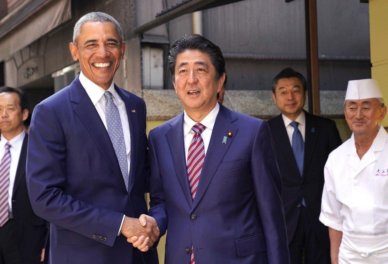 前美國總統歐巴馬訪日,還與日相安倍會面。 歐新社