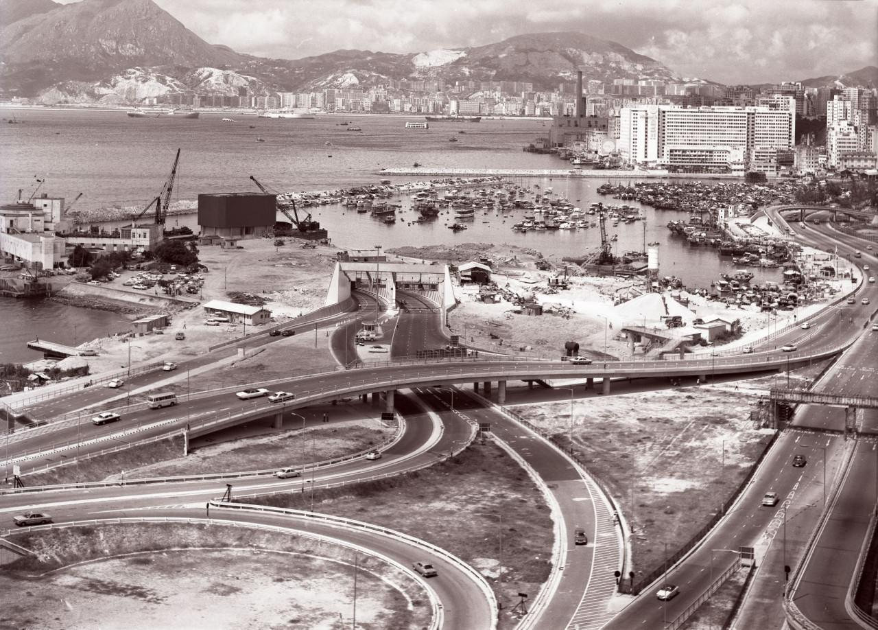 英國女攝影師拍下70、80年代香港,瞥見香港基建起飛。 高雪景/翻攝