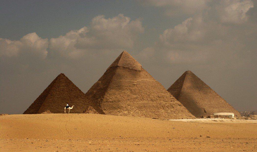 埃及古夫金字塔。歐新社資料照