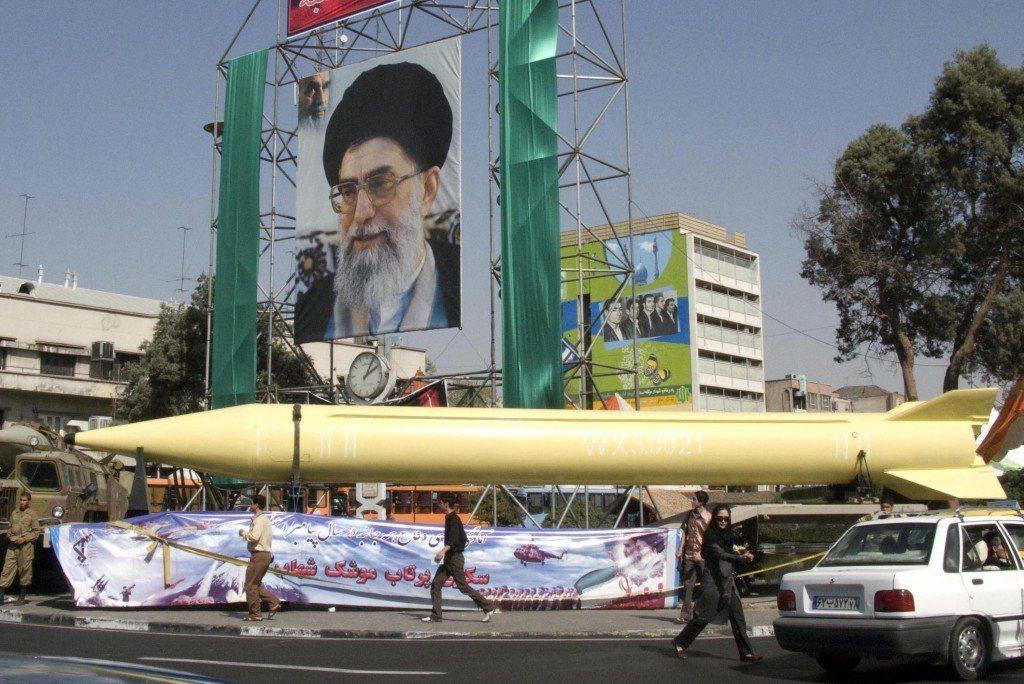 圖為伊朗仿製中國紅旗7型飛彈改造的「流星」(Shahab)飛彈。 圖/取自網路